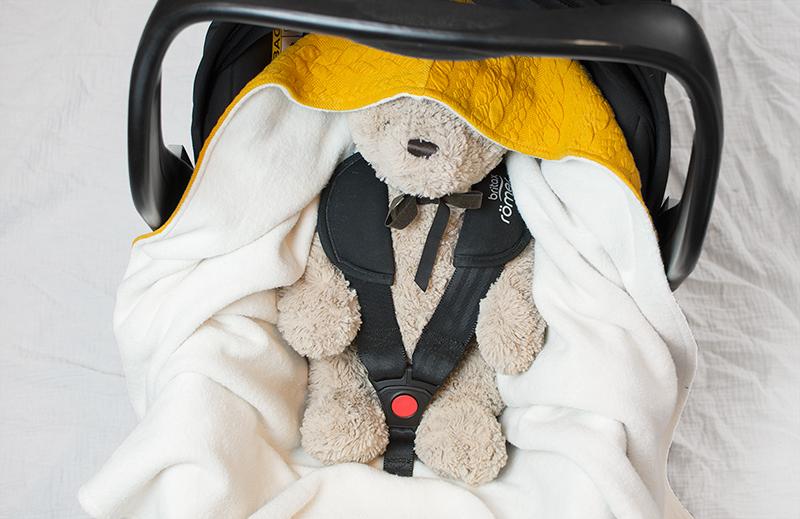 Babywrap senapsgul - filt till babyskydd