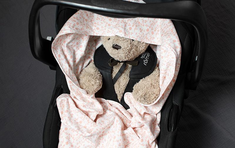 Babywrap, filt till babyskydd och barnvagn