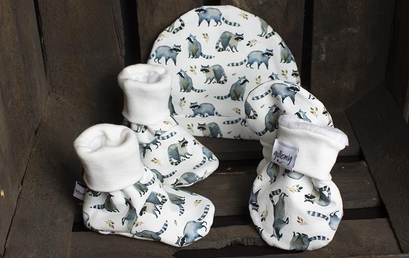 Fodrade tossor, vantar och ofodrad mössa till nyfödd – Fodrade med 100% ren bomullsfleece.