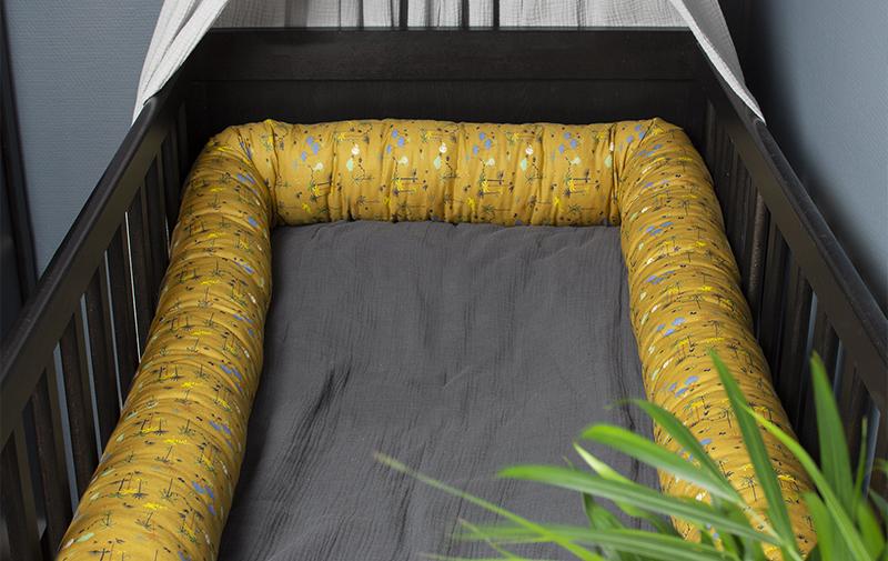 Sovorm, sängtubis som används som spjälsängsskydd